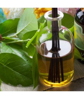 Organic Jasmine Fragrance Oil (Oil Soluble)